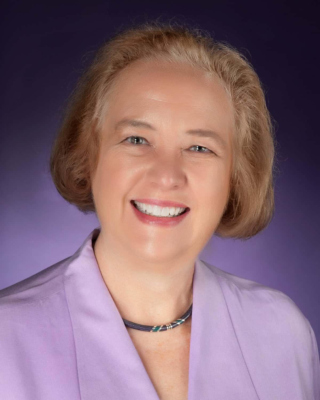 Dr. Sarah Robbins